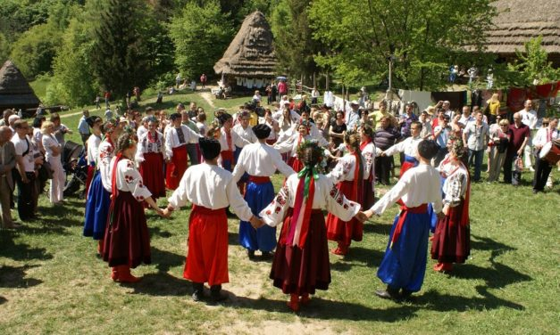 Які свята найпопулярніші серед українців (спойлер — Великдень лідирує)