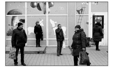 Сихів у кадрі: професійний стріт-фотограф про те, чому знімає свій район і яким його бачить