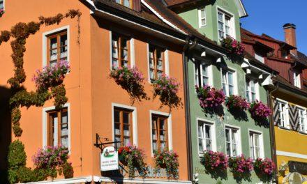 Місто шукає найкраще оформлені балкони, підвіконня та літні майданчики