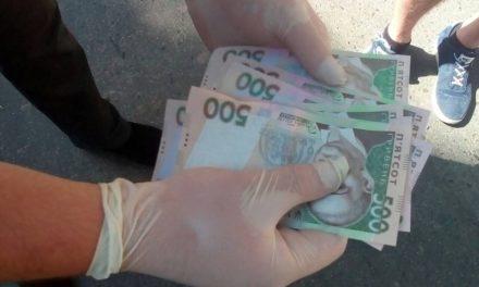 СБУ затримала на хабарі керівника Сихівського відділу поліції та його підлеглих