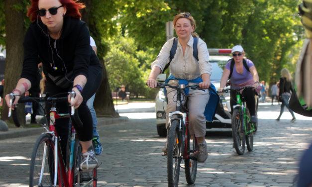 Львів'янам пропонують проїхати велосипедом на роботу