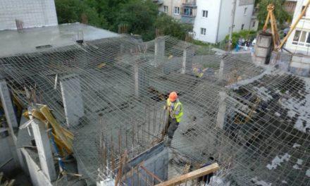 У новобудові на Угорській обвалилося перекриття другого поверху