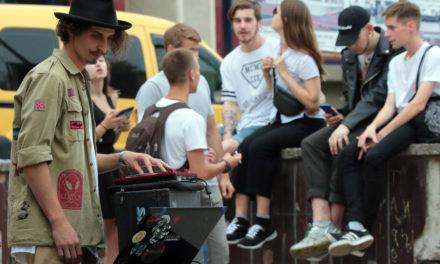 DJ-сети для Скверу Гідності. Як на Сихові звучало Свято музики (фоторепортаж)