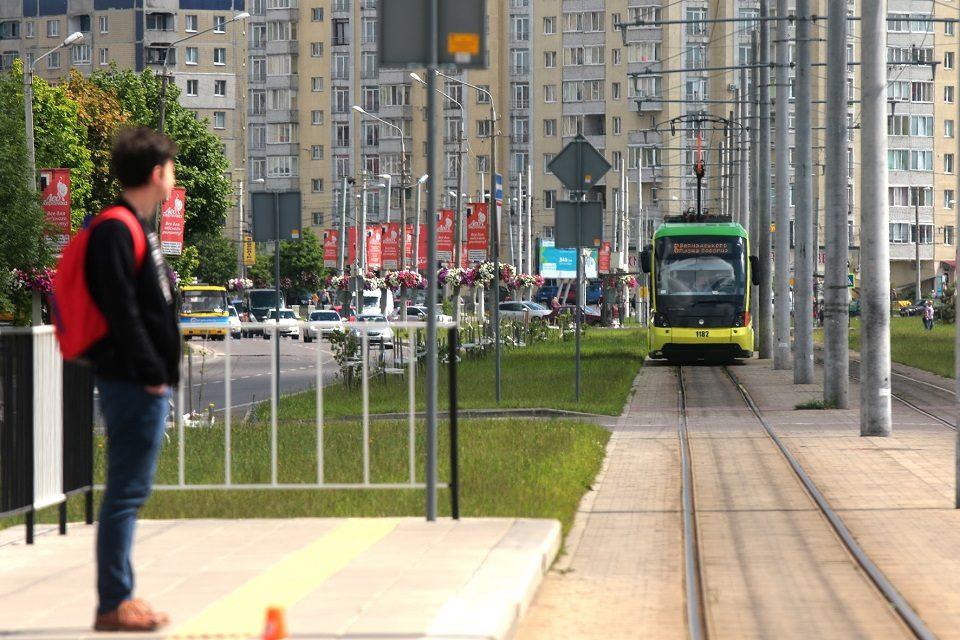 З вересня школярі знову можуть безкоштовно їздити у громадському транспорті