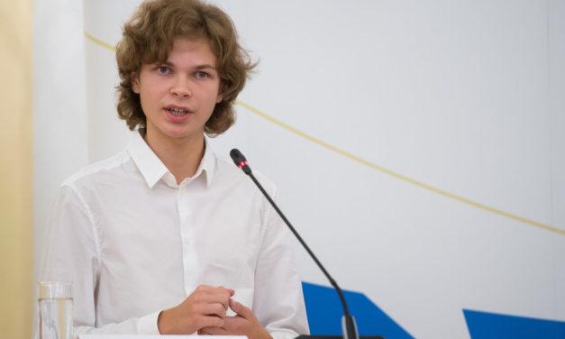 Школяр зі Львова переміг на Міжнародних молодіжних дебатах
