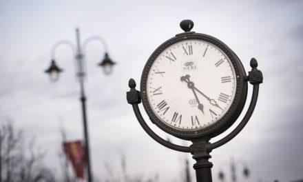 Коли і куди треба переводити стрілки годинників