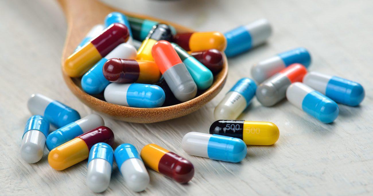 В Україні хочуть заборонити продаж антибіотиків без рецепта