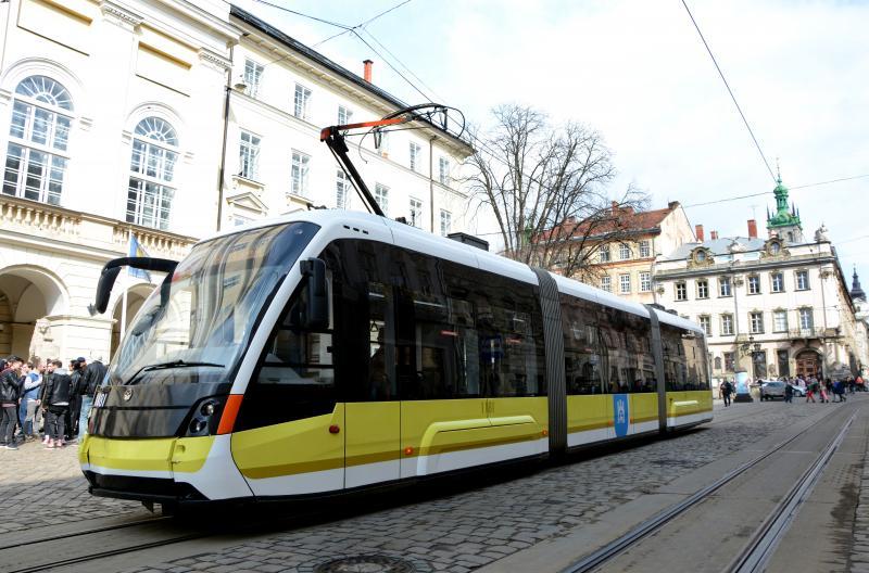У Львові з'явився трамвай з новим брендуванням