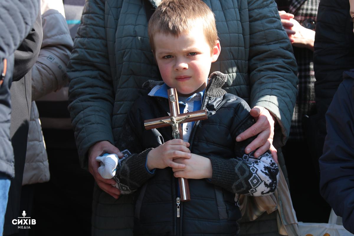 Хресна хода зібрала близько 60 тисяч вірян (фоторепортаж)