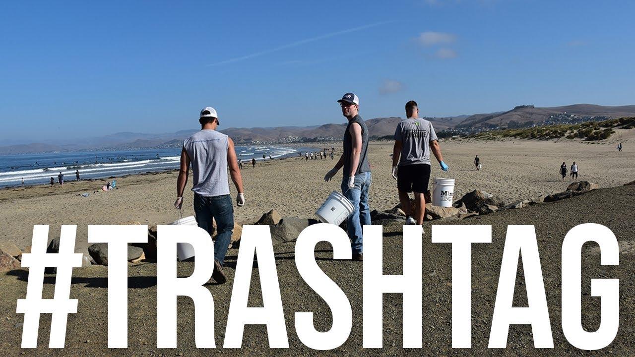 Учасники масового флешмобу Trashtag Challenge у всьому світі прибирають сміття