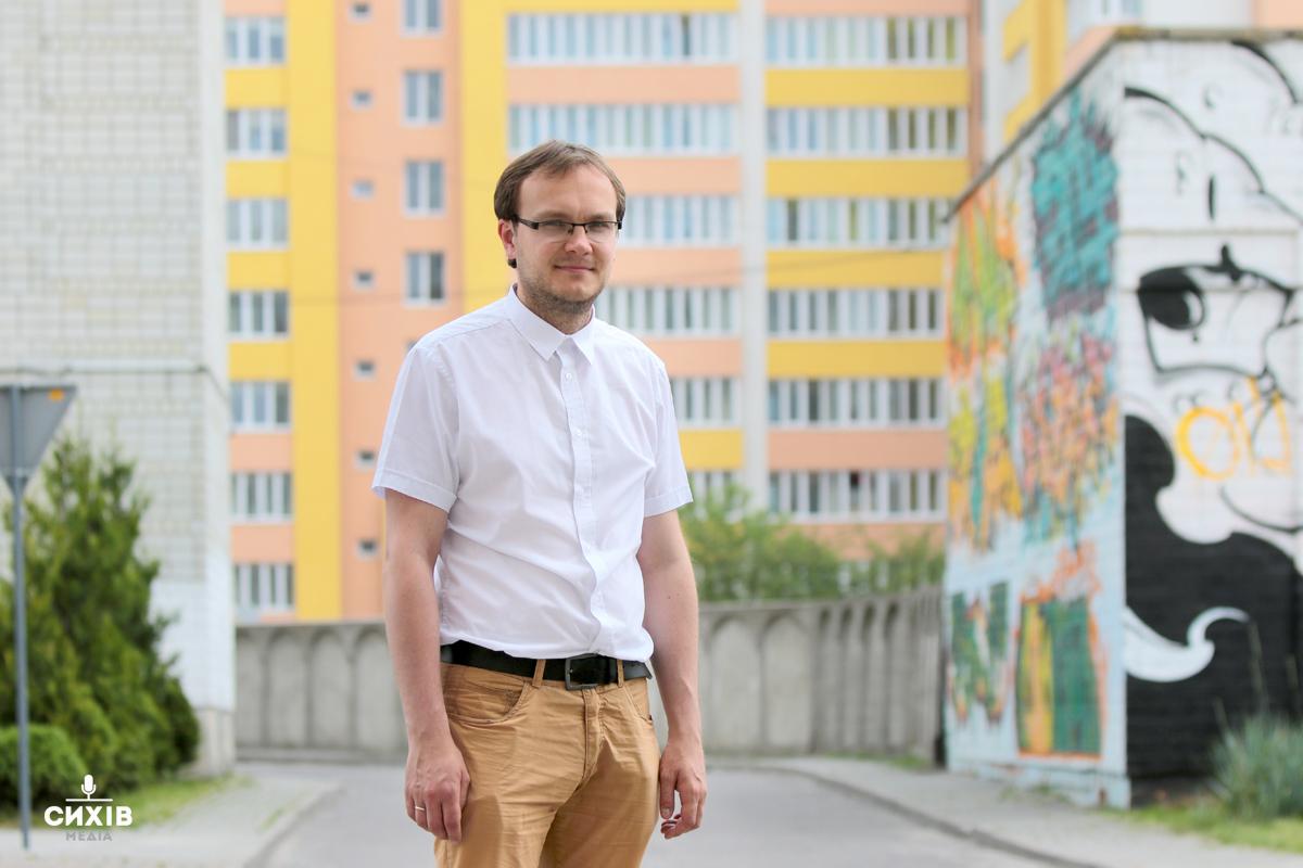 Молодіжні центри, інноваційне будівництво та прозора комунікація — Андрій Москаленко балотується в депутати по 115 округу
