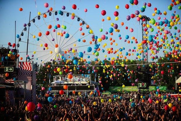 Майстер-класи, лотереї та вокальні гурти: біля центру Довженка відбудеться Добрий фестиваль