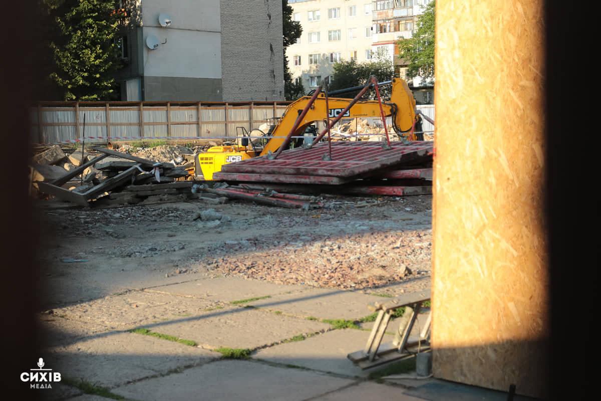 За знищення мозаїки на магазині «Океан» забудовника оштрафують