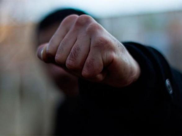 На вулиці Вернадського побили та пограбували чоловіка