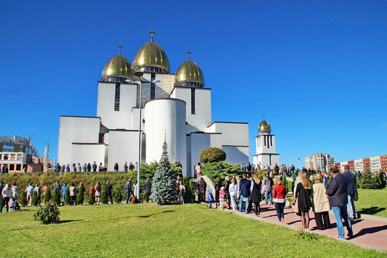 Церква Різдва Пресвятої Богородиці відсвяткує храмовий празник. Розклад Богослужінь