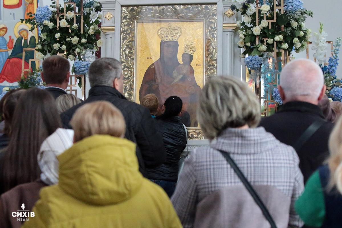 Церква Різдва Пресвятої Богородиці відзначила храмовий празник. Фото