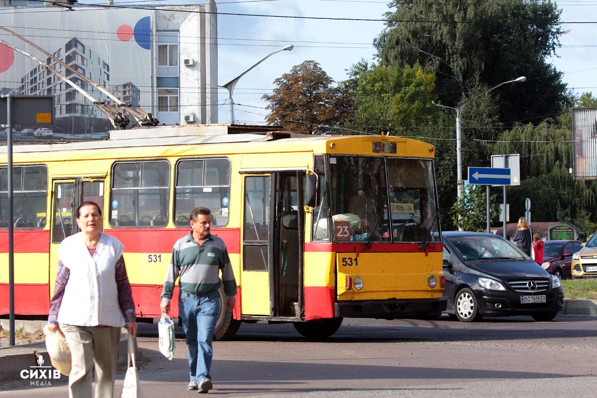 Мешканці Сихова найчастіше користуються громадським транспортом. Результати досліджень
