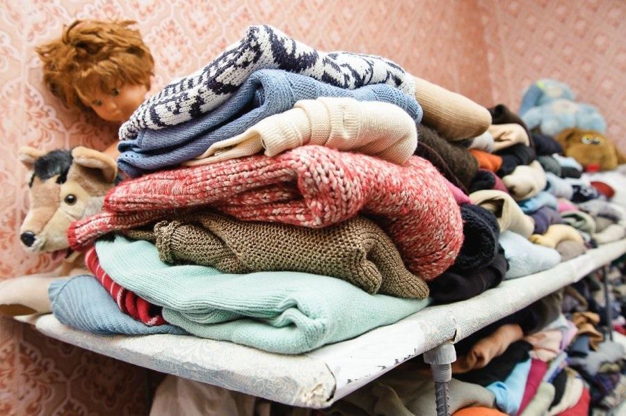 На Сихові безкоштовно роздаватимуть одяг для людей, які опинились у скрутному становищі