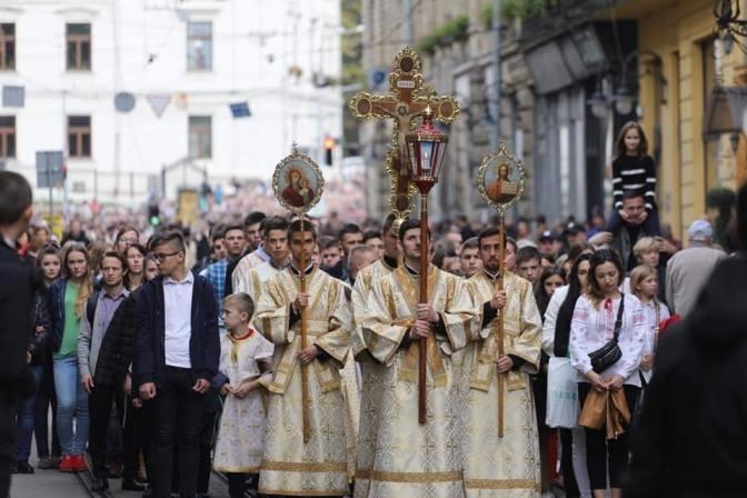 Цієї неділі вулицями Львова пройде молитовна хода. Рух ситуативно перекриватимуть