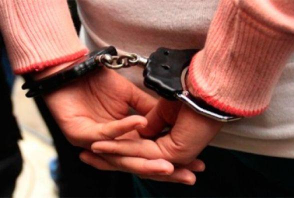 На Нижньому Шуварі затримали жінку, яку розшукували за грабіж