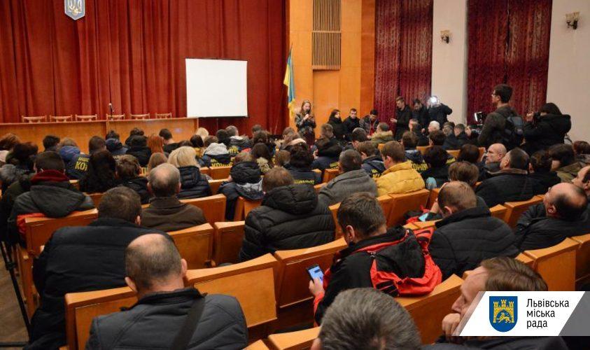 Львів'яни не підтримали підвищення вартості проїзду у маршрутках