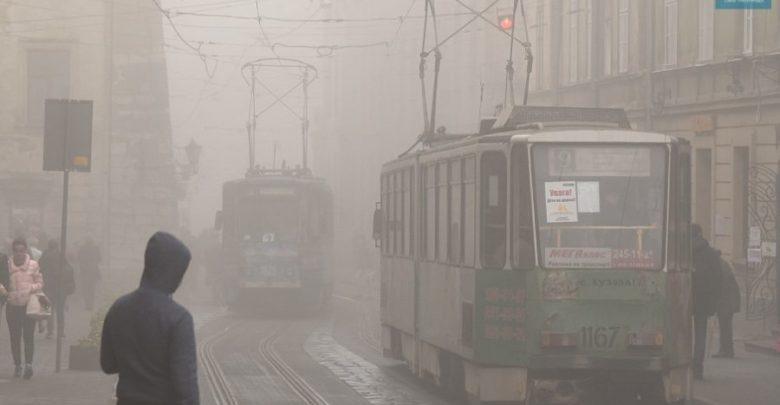 Львів'ян попереджають про сильний туман на дорогах