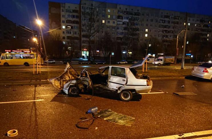 Внаслідок ДТП на Сихові «таврія» перетворилась на металобрухт: є постраждалі (фото)