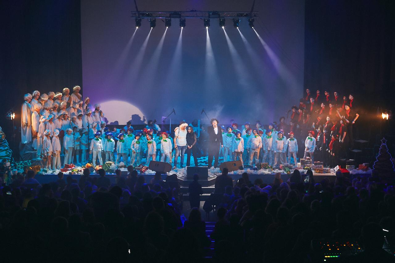 Дударик у залі Центру Довженка створив музичне святкове чудо! (фоторепортаж)