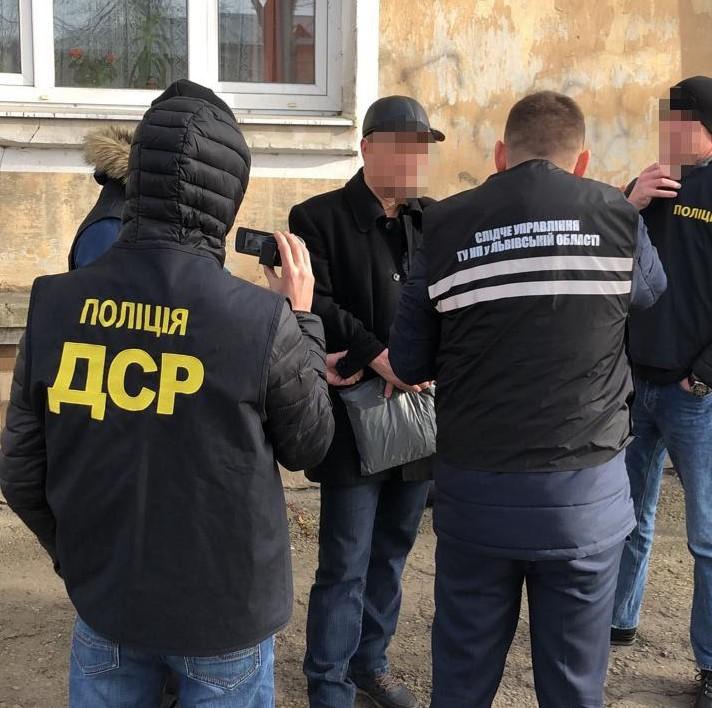 У Львові затримали зловмисника, який підпалив автомобіль на Сихові