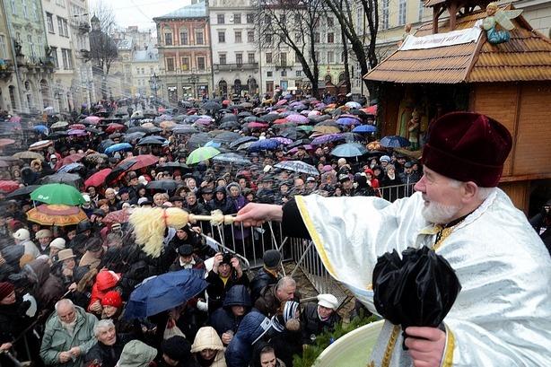 Львів'ян запрошують на загальноміське водосвяття на площі Ринок