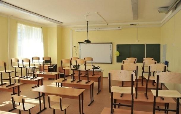 Дві школи на Сихові призупиняють навчання