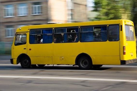 Три автобусні маршрути Сихова змінили схеми руху