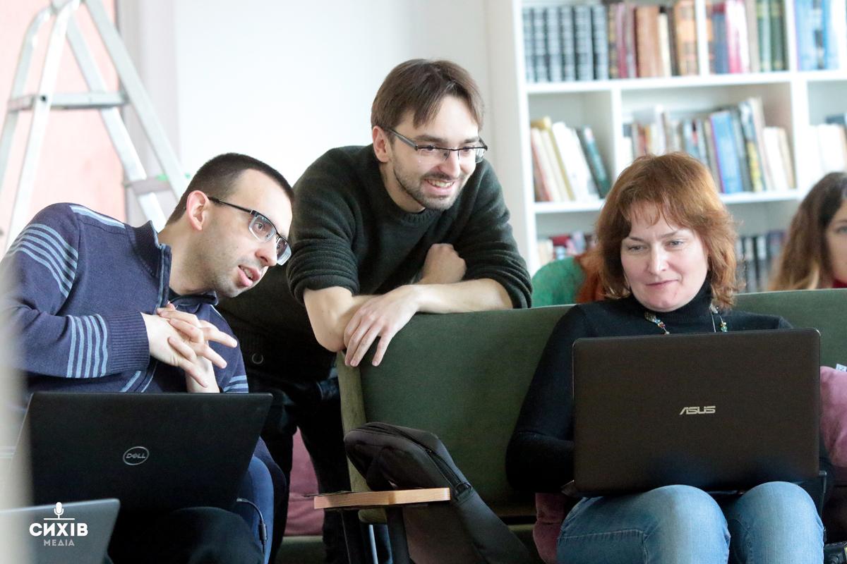 Як львів'яни вчились писати статті у Вікіпедію (Фоторепортаж)