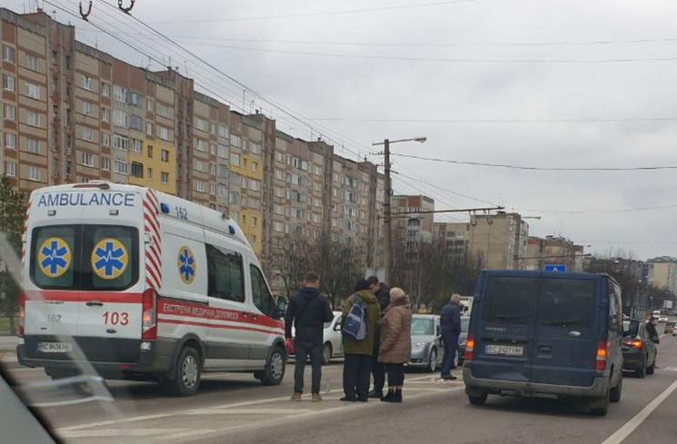 На вулиці Морозній збили велосипедиста