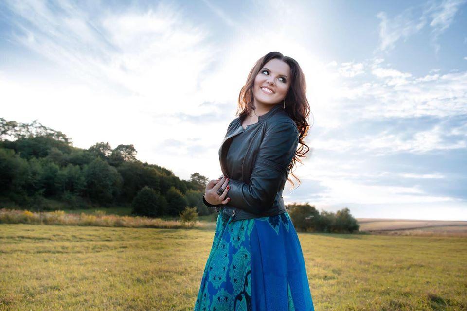 Співачка Катерина Малицька оновила пісню «Черемшина»