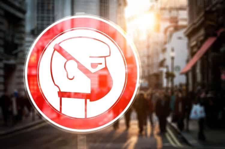 Ходити в масках і рукавичках: нові соціальні стандарти життя після карантину