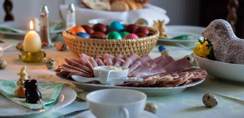 Львівська архиєпархія УГКЦ пояснила як вдома благословити їжу на Великдень