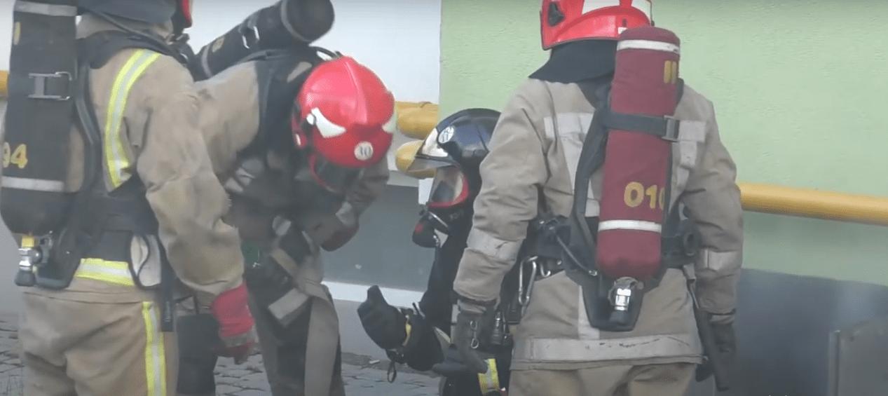 На Сихові спалахнула пожежа в підвалі багатоповерхівки