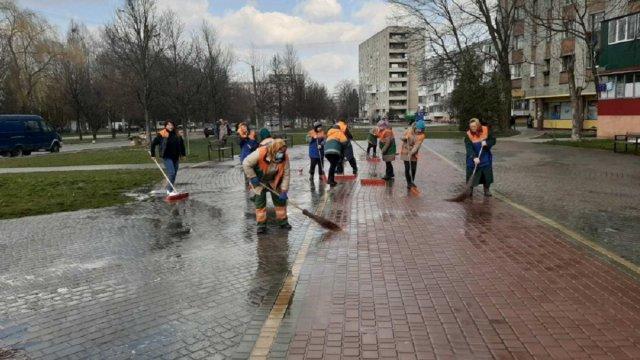 Голови львівських комунальних підприємств заявили, що без заробітної плати призупинять роботу