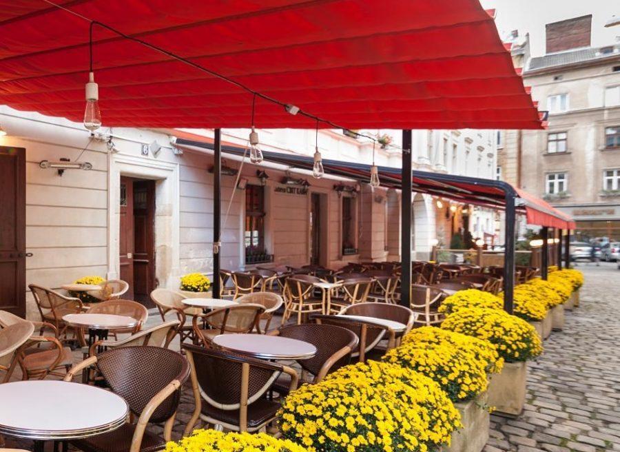 Сьогодні у Львові перевірятимуть роботу літніх майданчиків кафе і ресторанів