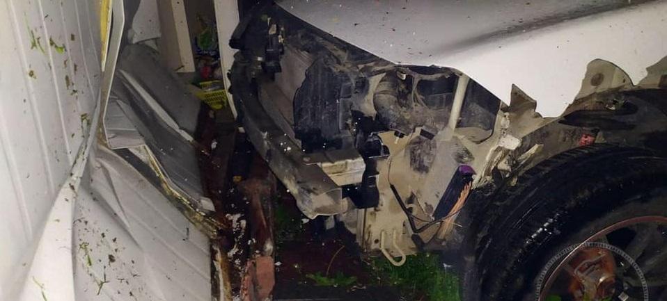 Вчора на Сихові п'яний водій протаранив смітники і врізався в авто