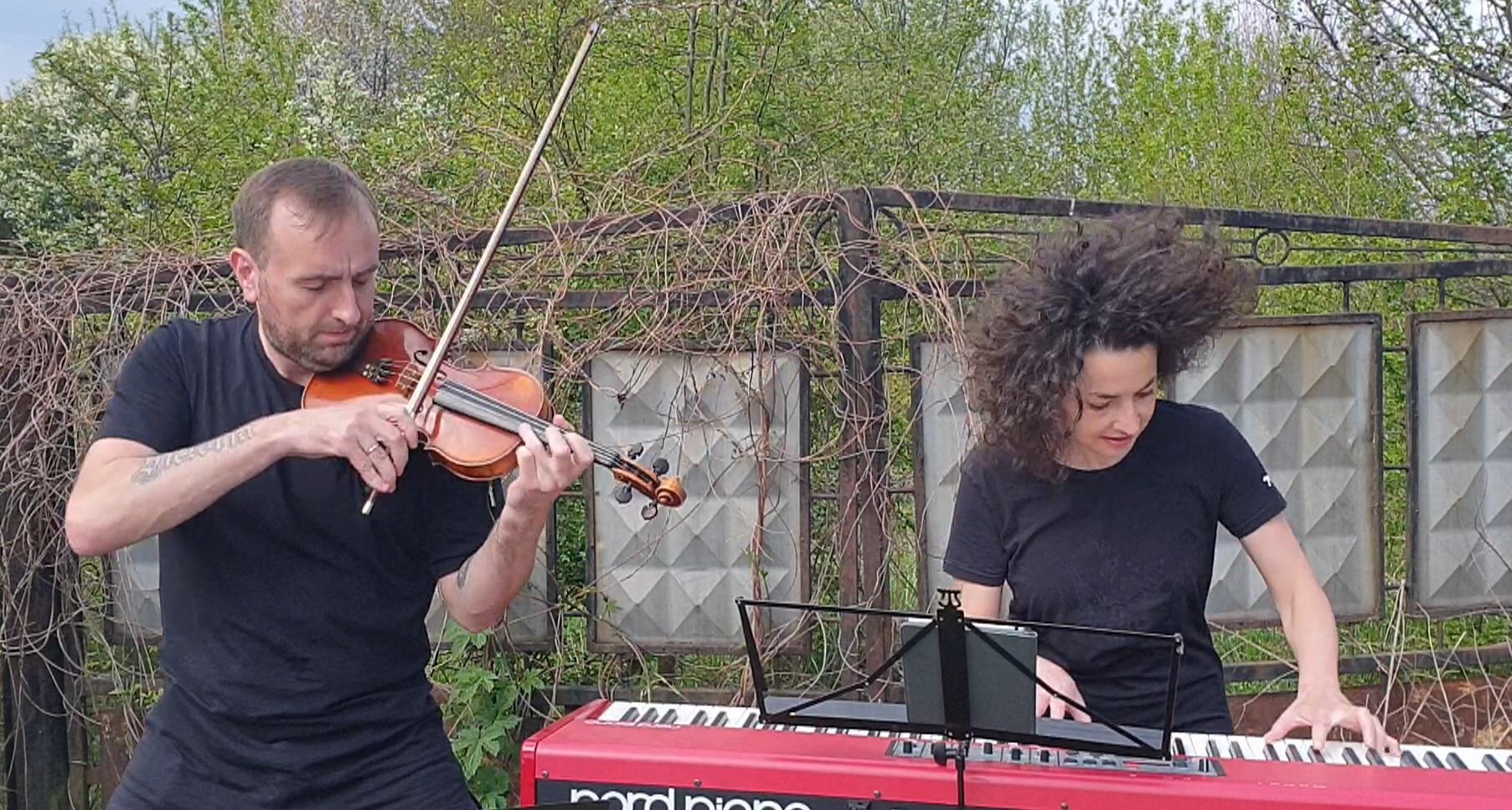 Кавер пісні Rammstein на скрипці і фортепіано заграли львівські музиканти