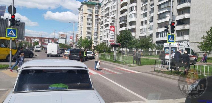 На пр.Червоної Калини внаслідок ДТП помер 68-річний водій авто