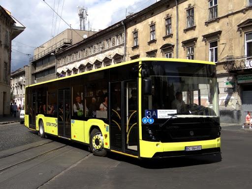 У Львові водій вигнав з автобусу лікарку