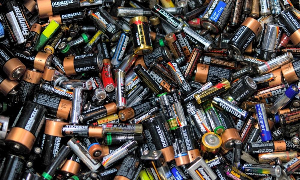 На Сихові можна здати використані батарейки