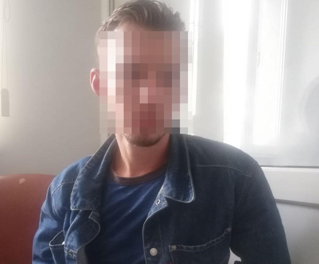 На Сихові п'яний чоловік напав на патрульного