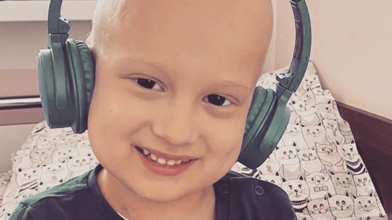 Сім'я 4-річного Максимка просить допомоги у зборі коштів на лікування четвертої стадії раку