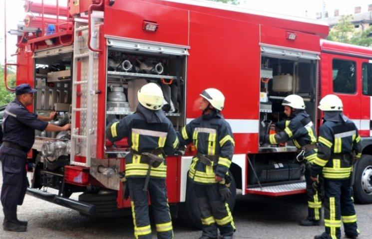 На вул. Стрийській у чотирьохповерховому будинку спалахнула пожежа