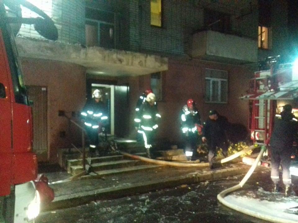 В Сихівському районі спалахнула пожежа в багатоповерхівці