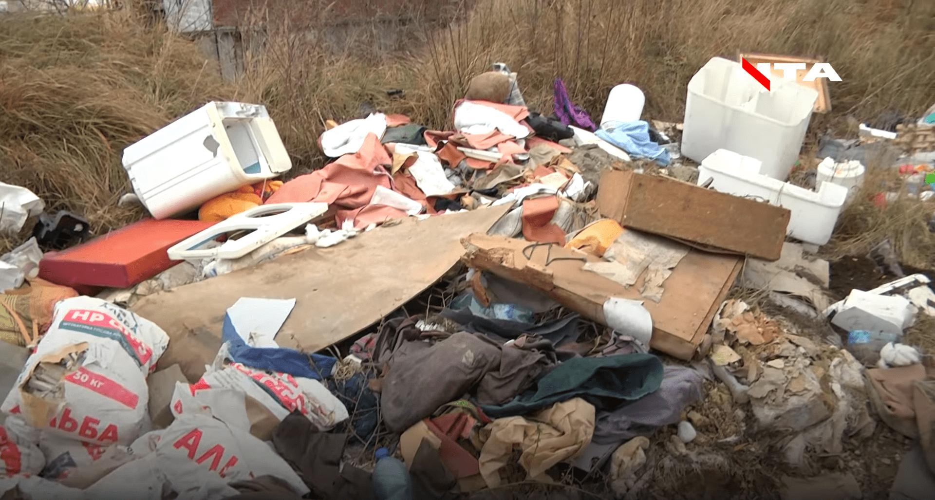 Сихів тоне у смітті: активіст знайшов два несанкціоновані смітники
